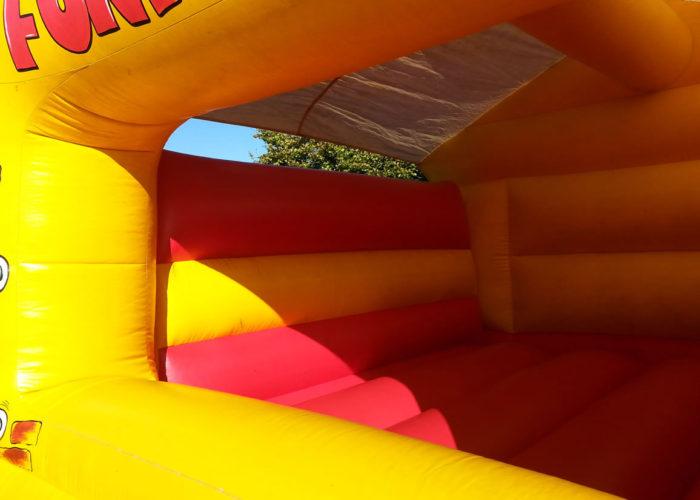 huddersfield bouncy castle hire